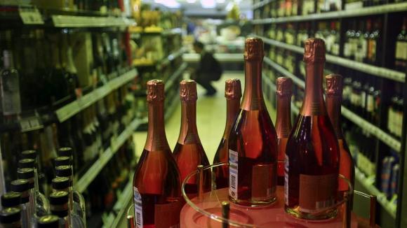 Алкоголь может исчезнуть с прилавков супермаркетов