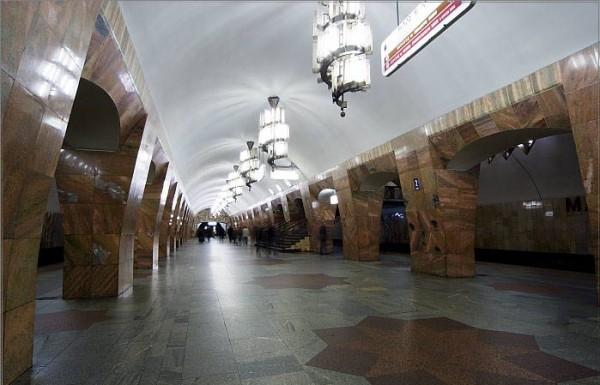 Пассажиры московского метро спасли пенсионерку, раскачав вагон (+ВИДЕО)