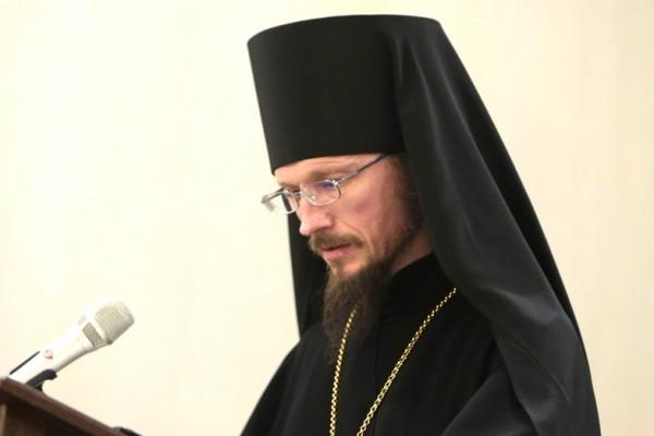 Епископ Борисовский Вениамин: Мы не можем отрицать необходимость современных средств коммуникации