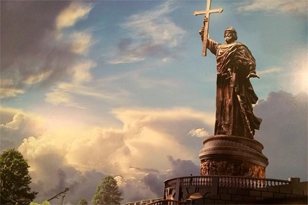 Свыше 50 тысяч москвичей выступают за установку памятника князю Владимиру