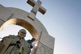 Французский суд постановил демонтировать памятник Иоанну Павлу II работы Церетели