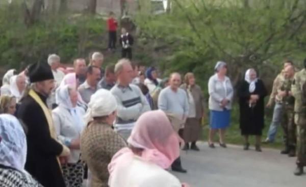 В Тернопольской области женщины выгнали из села «Правый сектор» (Видео)