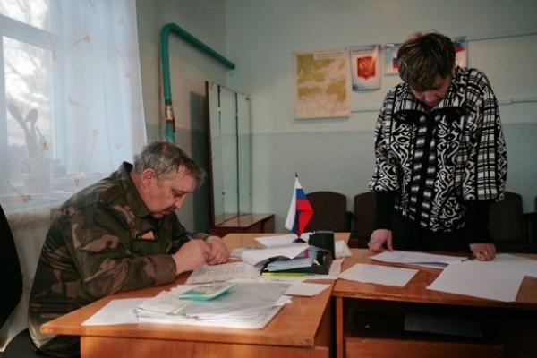 Виктор Комагорцев, глава села Казаново, в котором пострадали от пожаров 87 человек,  помог нам найти погорельцев, которые не получат по 100 тысяч от государства за сгоревшее на пожаре жилье