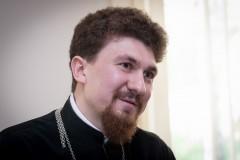 Иерей Николай Шапорев: Плохо, когда священник и народ разделены <i>внутренним</i> иконостасом
