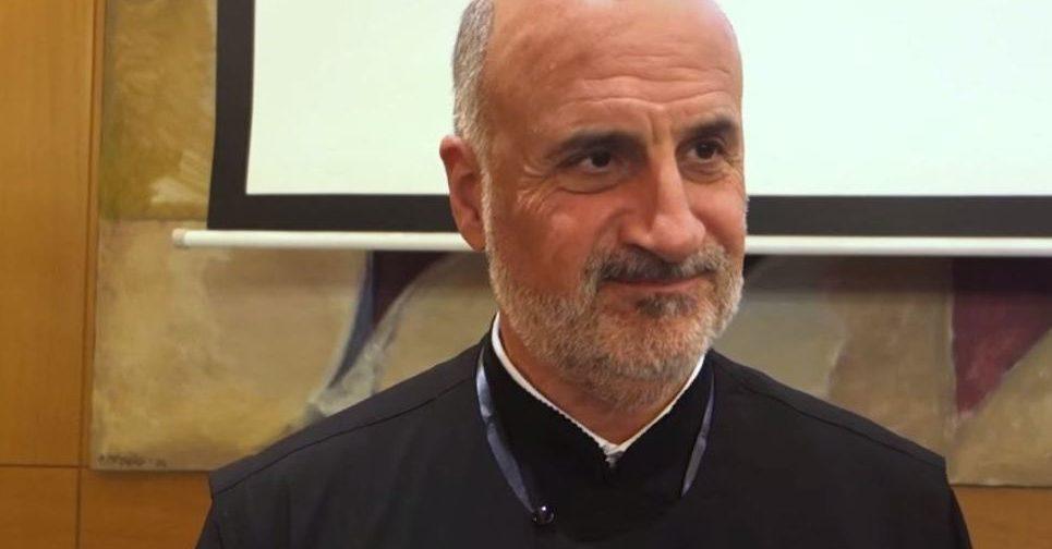 Протопресвитер Христофор Митропулос: Интернет – это способ несколько раз в неделю соединиться с Церковью