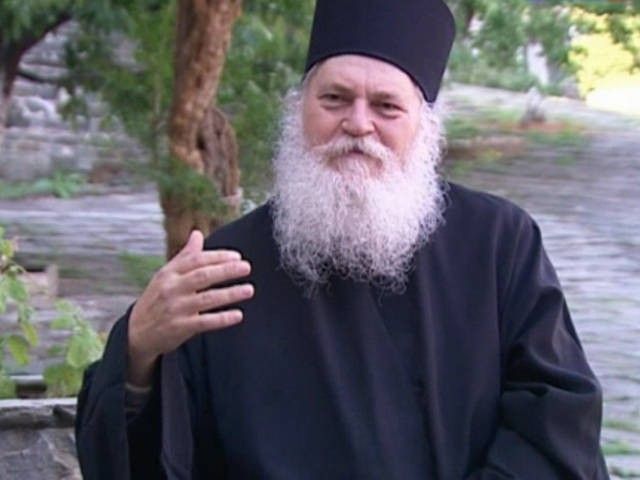 Старец Ефрем Ватопедский: Мы должны распространять духовный опыт через Интернет сейчас, потому что может настать время, когда это будет невозможно
