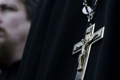 В Луганской области в результате обстрела был ранен священник