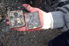 Деревянный храм сгорел дотла, а Евангелие и антиминс  уцелели