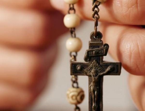 Исламисты угрожают вдове убитого пастора за переход в христианство