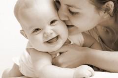 Кризисные центры для мам предлагается создать в каждой епархии Русской Церкви