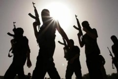 Боевики ИГИЛ жестоко наказали двух подростков «за еду в светлое время суток» в Рамадан