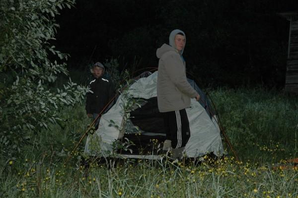 Алеша и Сергей. Разбиваем лагерь