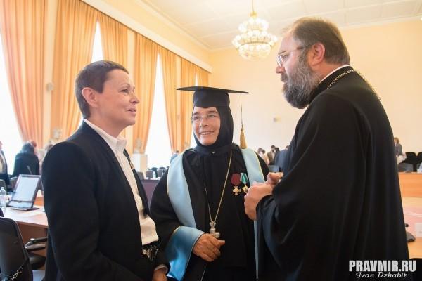 Галина Гавриловна Ершова (слева)