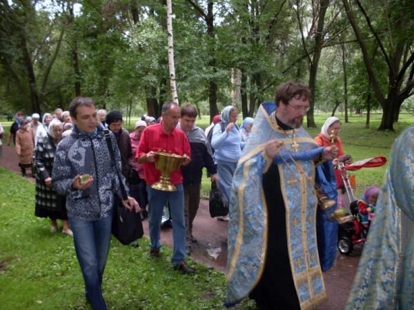 Настоятель храма в Осташковском проезде: Надеемся, что призыв Патриарха будет услышан