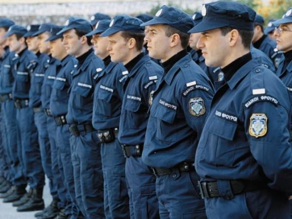 В национальной греческой полиции появятся священники