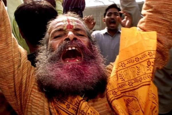 Группа индуистских экстремистов разгромила христианский храм