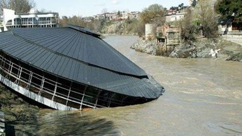 Патриарх Кирилл выразил соболезнования в связи с разрушительным наводнением в Грузии