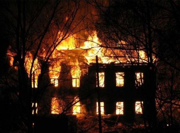 Житель Орловской области спас соседей-пенсионеров во время пожара