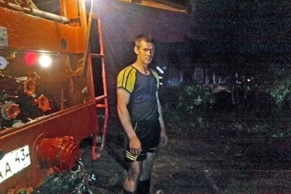 Житель Кировской области спас пенсионерку из огня