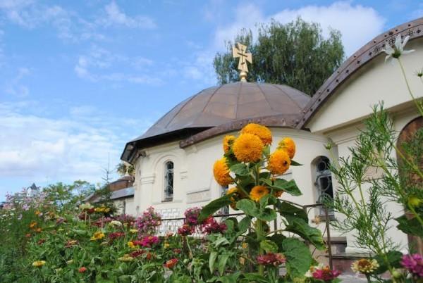 Существующий храм Десятинного монастыря