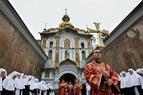 Семь чудотворных икон Божией Матери привезут в Киев на Владимирскую горку