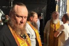 Концерт «Серебряного Дождя» помешал проведению богослужения в храме