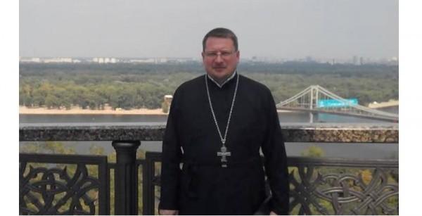 Раненный в Киеве священник скончался