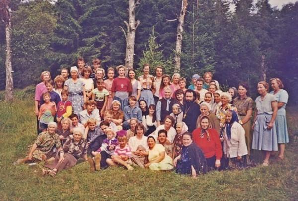 С прихожанами Вознесенского собора. Лето 1995 года