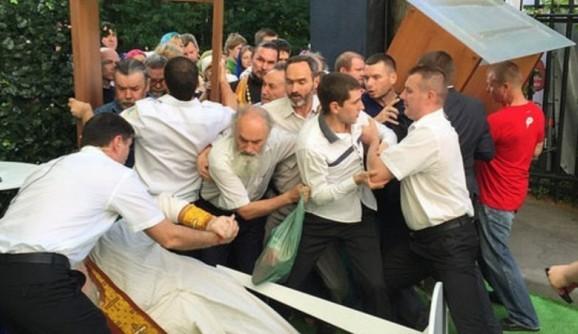 "Игумен Сергий (Рыбко) о конфликте на юбилее ""Серебряного Дождя"": Я не одобряю поведение отца Дмитрия Смирнова"