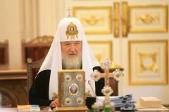 Патриарх Кирилл скорбит о погибших в Омске десантниках