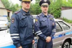Инспекторы ДПС в Карелии спасли тонущую пенсионерку