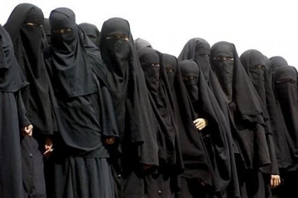 Новый метод борьбы с терактами в республике Габон: досматривать будут всех женщин в парандже