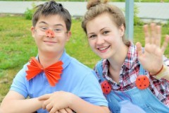 «Cолнечная смена»: дети с синдромом Дауна в «обычном» лагере