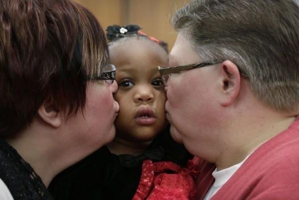 Сложные времена для католических агентств по усыновлению