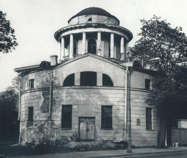Благовещенский храм на Приморском проспекте 1994 год
