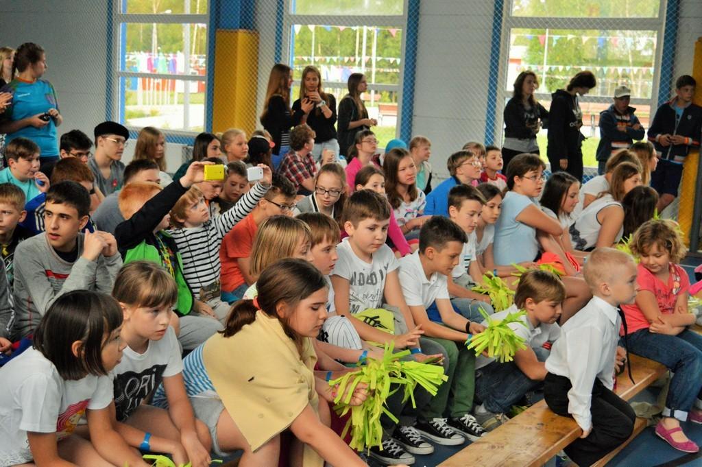 знакомство с группой детей в лагере
