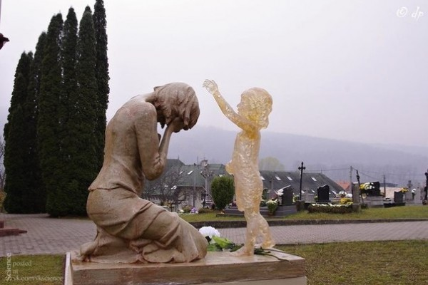 Памятник нерождённым детям. Словакия. Фото из открытых источников