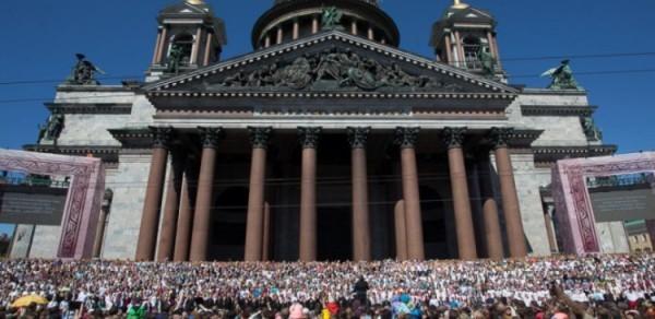 Сводный-хор-Исаакиевский-собор-фото-ИА-Диалог