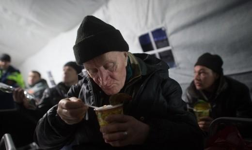 Кинотеатр и парикмахерскую для бездомных открывают в Москве