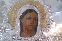 В храме на острове Самос кровоточит икона святой Ирины