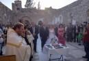 Молодая христианская пара обвенчалась в разрушенном боевиками монастыре в сирийском Хомсе