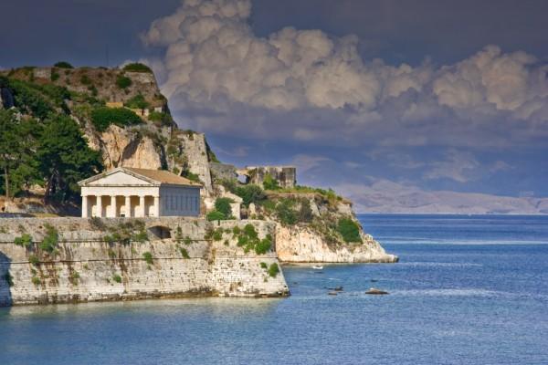 """""""Грецию надо оставить в покое…"""""""