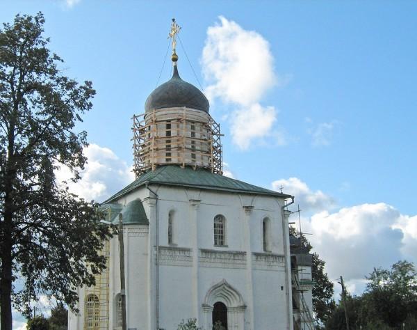 Фрески эпохи Андрея Рублева обнаружены в Звенигороде