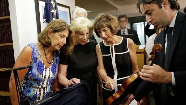 Пропавшая 35 лет назад скрипка Страдивари найдена в США