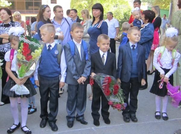 Православная молодежь Москвы помогает собирать в школу детей Донбасса