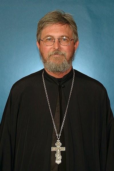 Священник Стивен Фриман