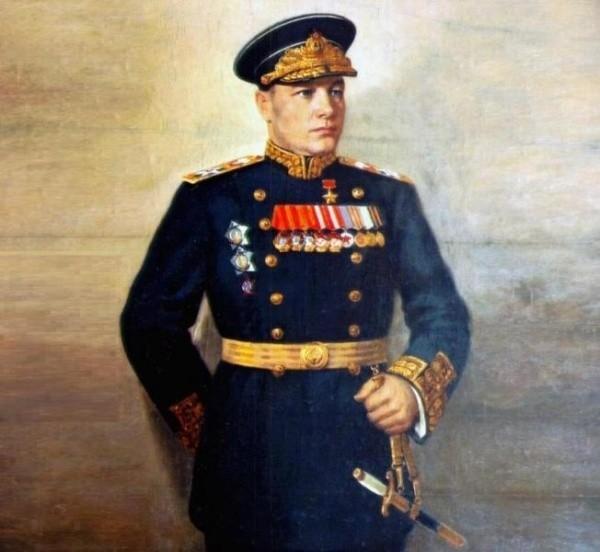 Портрет Николая Кузнецова, на груди у него два ордена Ушакова