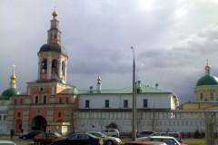Здание Патриаршего центра при Даниловом монастыре горит в Москве