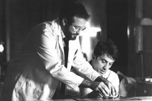 Робин Уильямс и Роберт Де Ниро в фильме «Пробуждение», основанном на книге Сакса о группе пациентов с атипичной формой энцефалита