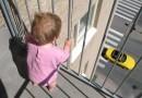 Казанский спецназовец сумел поймать ребенка, упавшего с шестого этажа